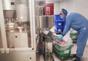 La continuidad de la fabricación y el suministro de medicamentos es, junto a la investigación, la máxima prioridad de la industria farmacéutica ante la crisis