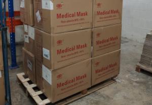 Stada dona 50.000 macarillas y productos de higiene