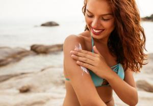Para que la piel de tu cuerpo no sufra al sol tienes que encontrar el fotoprotector perfecto