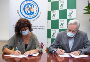 Las farmacias guipuzcoanas colaborarán con la Asociación de Personas Sordas para contribuir a paliar las barreras de comunicación