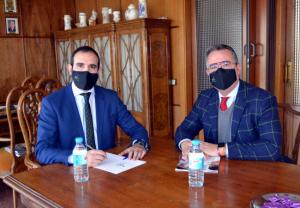 Farmacéuticos de CLM y SEFAC firman un convenio para formar a los profesionales comunitarios en cesación tabáquica