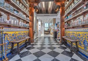 La antigua farmacia de la Reina Madre se renueva por completo