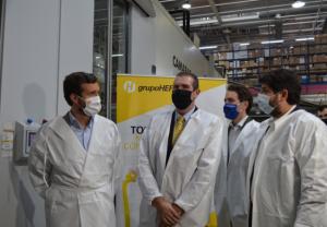 Ayuso destaca, en la visita de Casado y López Miras a sus instalaciones, que Hefame está listo para recibir y distribuir las vacunas