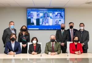 Constituida la Mesa de la Profesión Farmacéutica en España