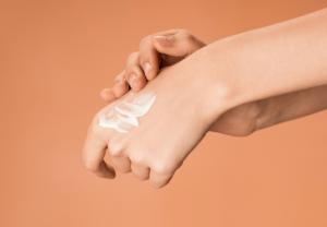 El 64% de las personas que sufren dermatitis atópica considera que afecta a su estado de ánimo