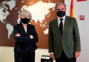 La Agencia EFE y las farmacias españolas se unen para combatir los bulos antivacunas COVID-19