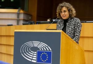 Dolors Montserrat pide PCRs gratuitas para evitar discriminaciones entre europeos