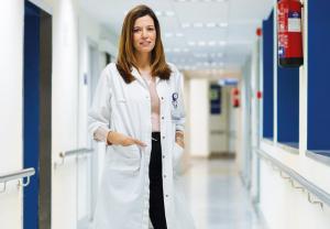 """""""Nuestra piel nos habla de cómo estamos y cómo nos sentimos"""", Dra. Ana Molina, dermatóloga y profesora universitaria"""