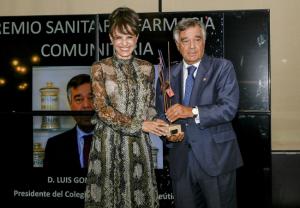 Luis González recoge el 'Premio Sanitario Farmacia Comunitaria' de INDEPF